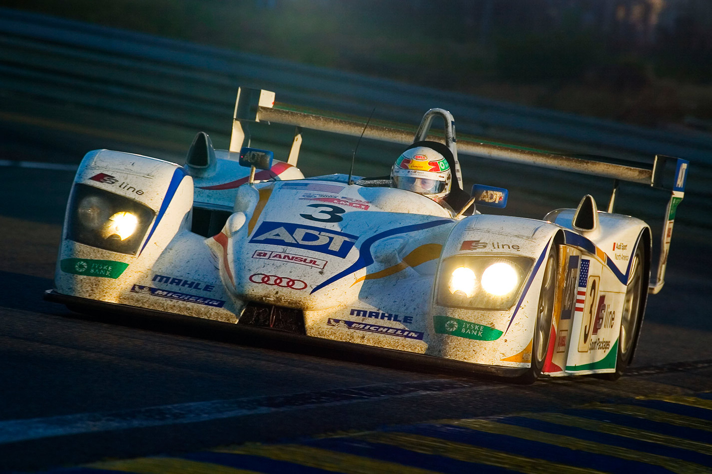Tom_Kristensen_2005_LeMans_Sunday_Morning_RegisL