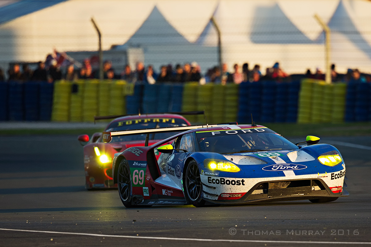 The Risi Competizione Ferrari 488 GTE battles the Ford GT40 in the 2016 24 Hours of Le Mans at the Ford Chicane