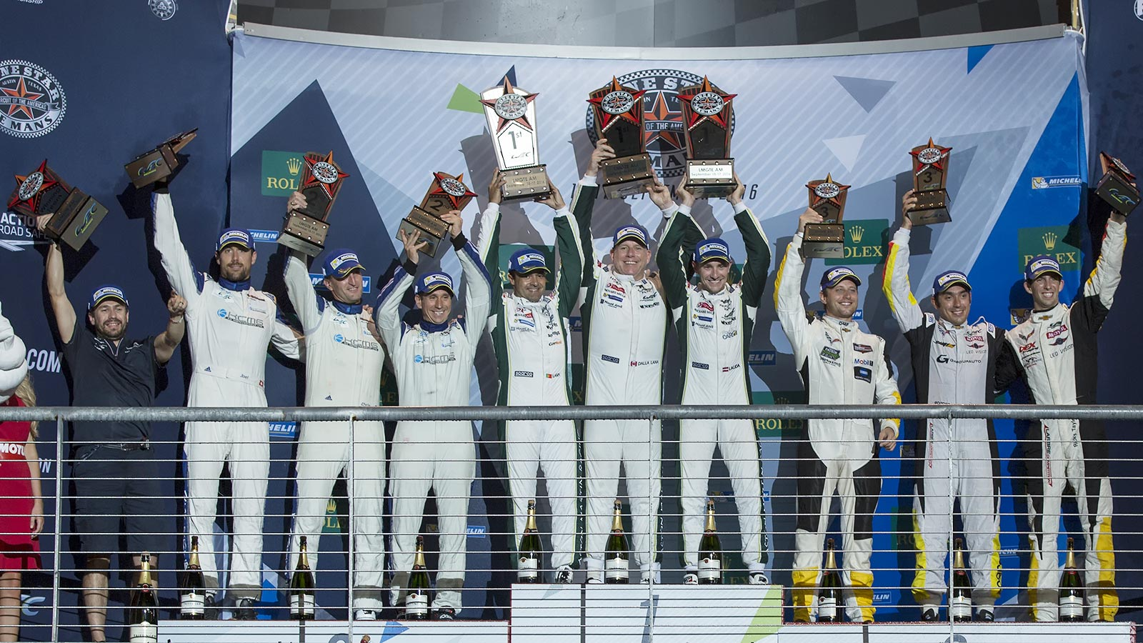 1st-placepodium-lmgte_am-car-98-aston-martin-vantage-v8-paul-dalla-lana-pedro-lamy-mathais-lauda